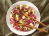 Salata de varza cu broccoli si sos de portocale