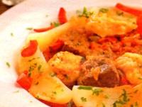Gulas de carne de vita si cartofi